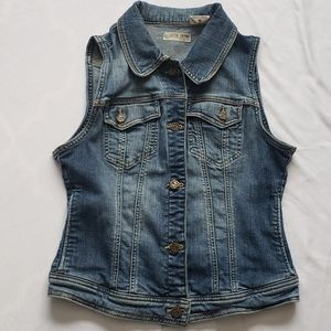 3/$20 Fox denim vest size medium fits small